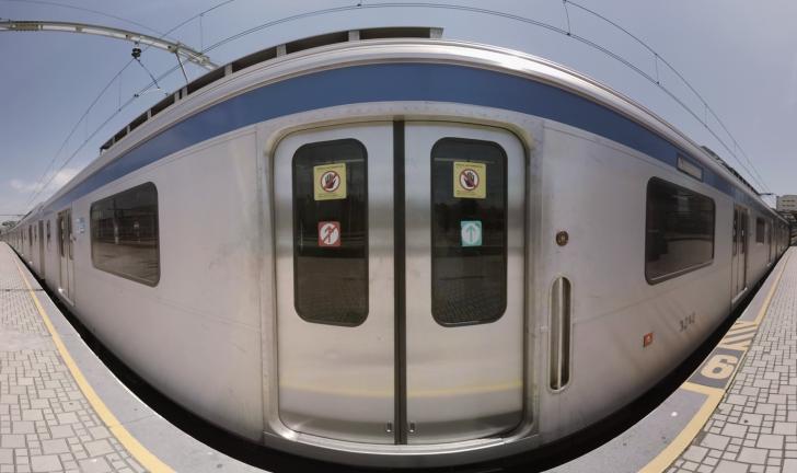"""""""CARTAS A LUMIÈRE – A chegada do trem à estação"""""""
