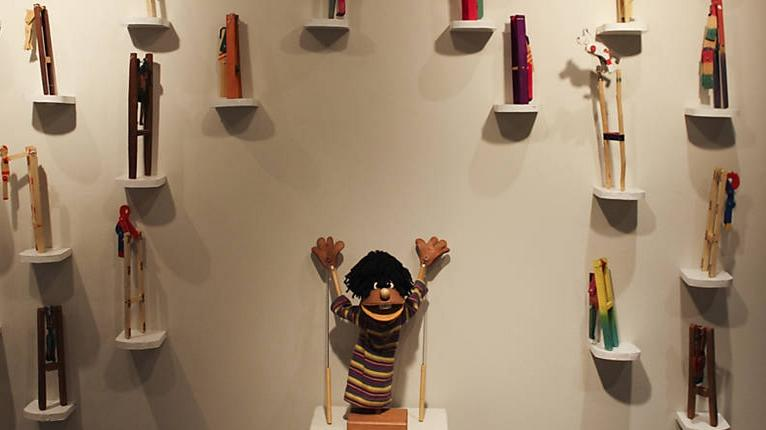 """Exposição """"Brinquedos à Mão – Coleção Sálua Chequer"""""""
