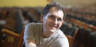 Isser Korik, diretor teatral